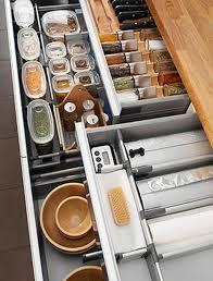 ترتيب وتنظيم المطبخ وتنسيقها بلمسات بسيطه